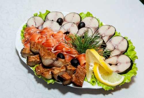 рыбная тарелка (скумбрия х/к, горбуша с/с, сельдь с/с)