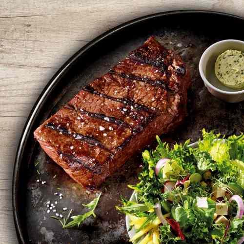 Steak Flat Iron (Флэт Айрон стейк) с меланзаньей из баклажанов и козьего сыра