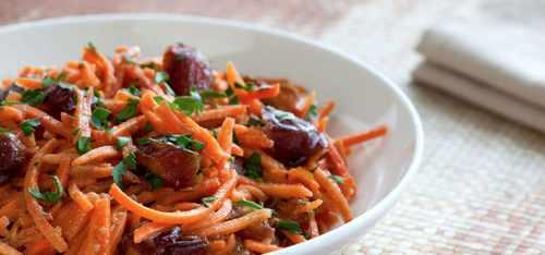 Рецептура блюда Салат из моркови, или из моркови с яблоками, или финиками, или черносливом