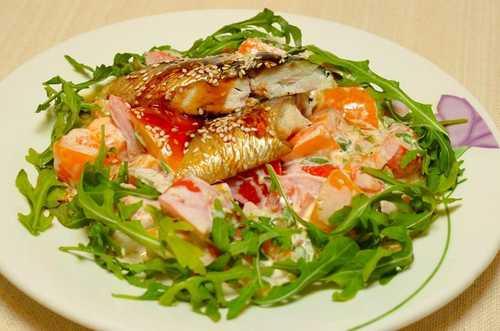 Рецептура блюда Салат с рыбой горячего копчения или морепродуктами