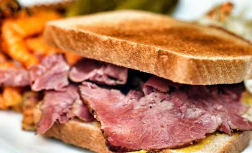 Рецептура блюда Бутерброды с мясными гастрономическими продуктами