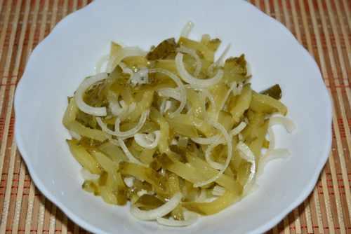 Рецептура блюда Салат из соленых огурцов с луком