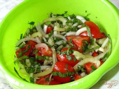 Рецептура блюда Салат из свежих помидоров со сладким перцем