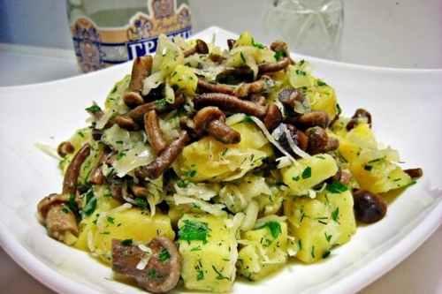 Рецептура блюда Салат картофельный с грибами