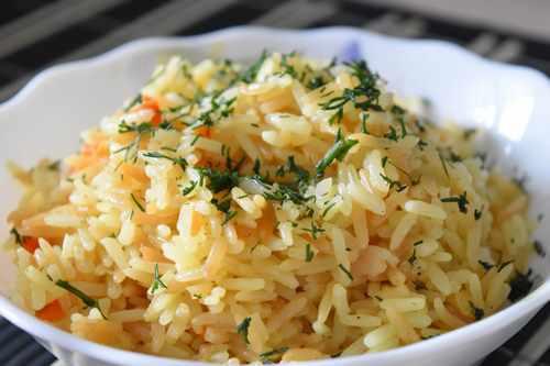 Рисовая каша с сыром и зеленью
